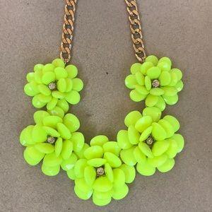 ✨SALE✨ Yellow Flower beaded & Gem Necklace